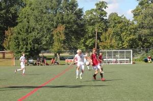 Trey Shetler battling for ball against Indian hill