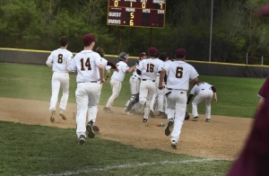 Turpin Spartans Top the Sycamore Aviators 6-5 on Alex Steele's Walk-Off Single